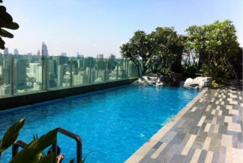 the-address-asoke-roof-swimming-pool-01