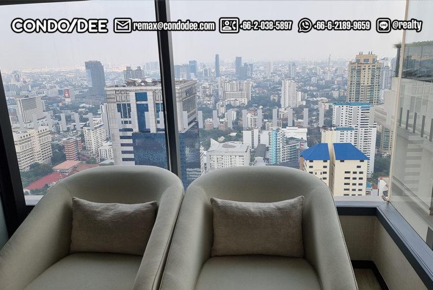 the esse Asoke - 43 floor club views