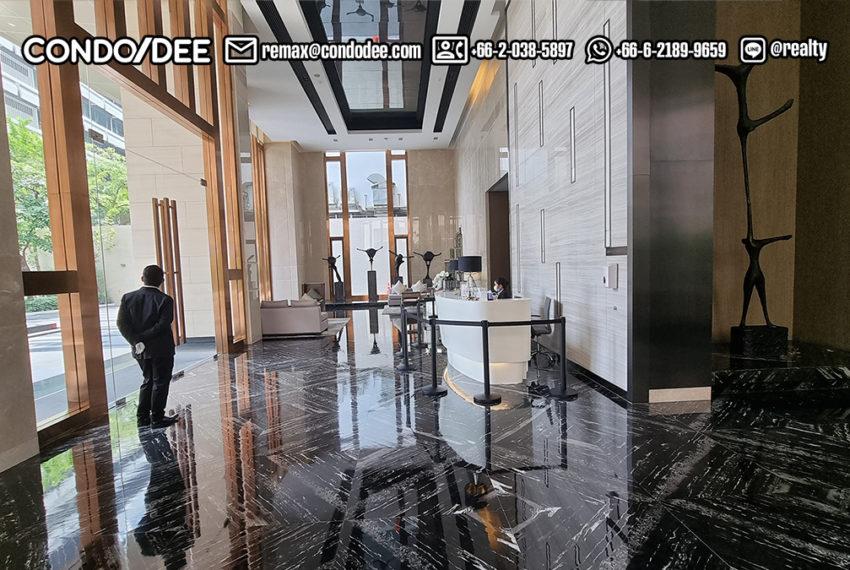 the esse Asoke - entrance garden