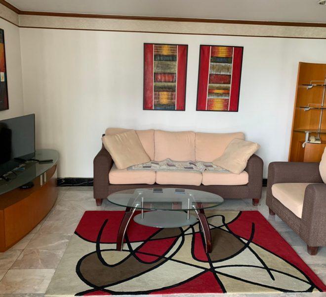 Large apartment for rent at Sukhumvit 16 - 2 bedroom - mid-floor - Lake Avenue condominium