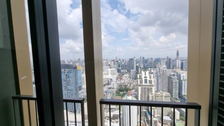Bangkok penthouse with a very high ceiling of 4.5m- new luxury condo - FOREIGN QUOTA - Amazing View - Noble Be 19