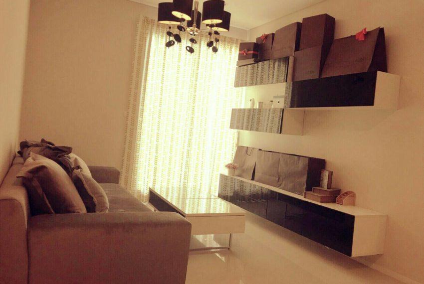 villa-Sell-living room