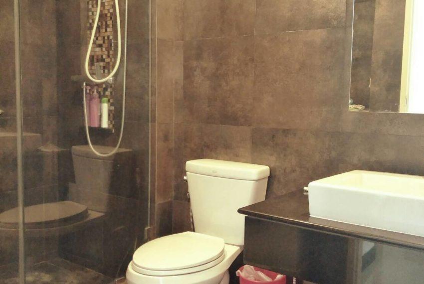 vogue sukhumvit 15 condominium 1-bedroom for sale - bathroom