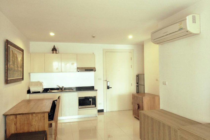 vogue sukhumvit 15 condominium 1-bedroom for sale - kitchen