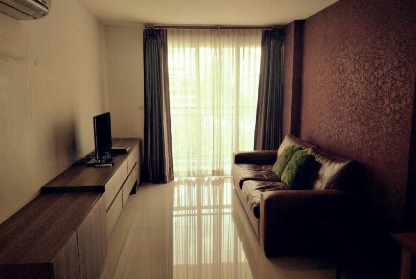 vogue sukhumvit 15 condominium 1-bedroom for sale - living area