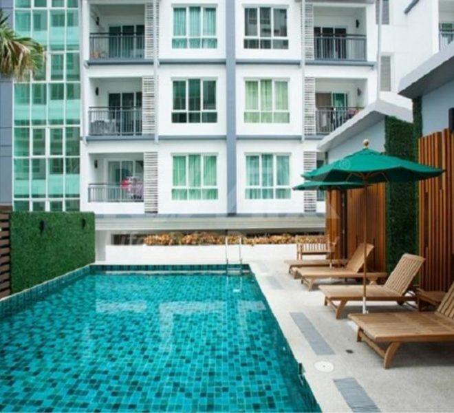 vogue sukhumvit 15 condominium - swimming pool
