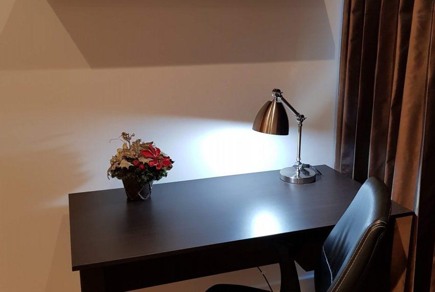 wark table