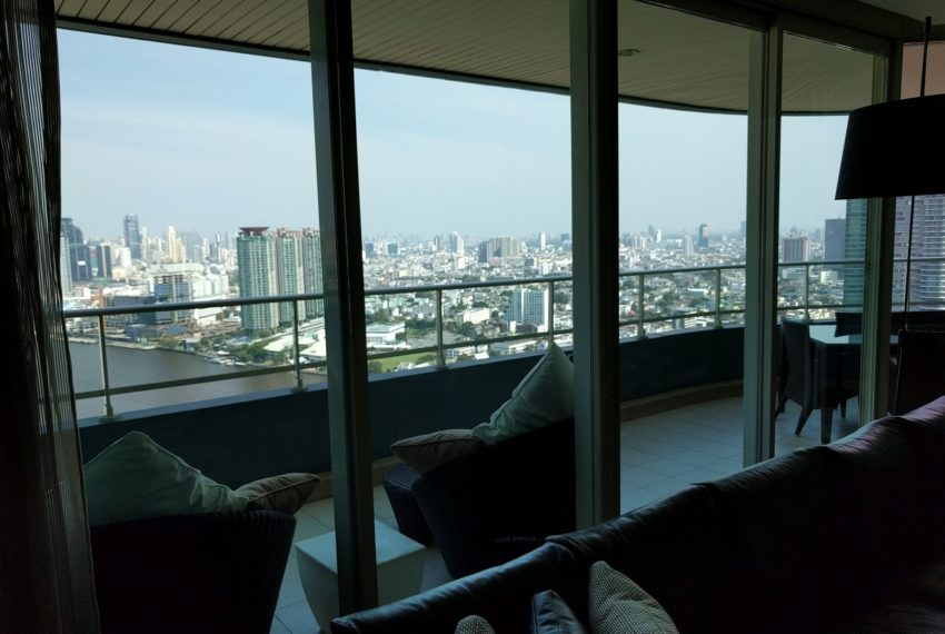 watermark chaophraya river condominium riverview from living room - big balcony