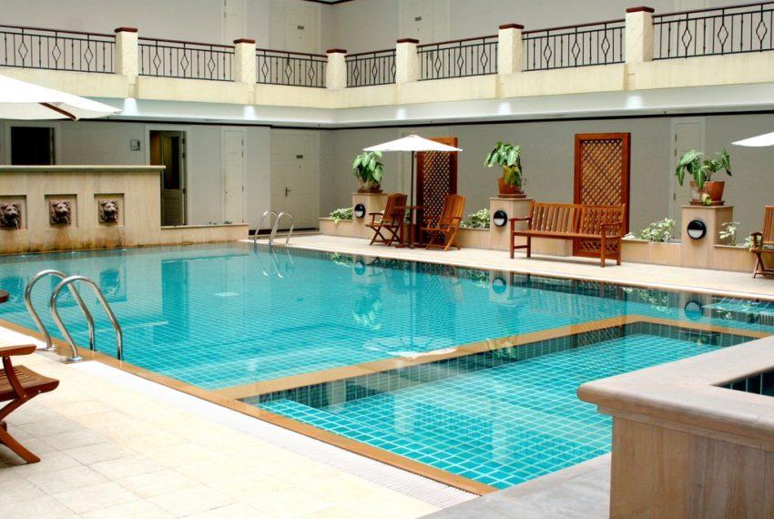 wattana-suite-condo-bangkok-swimming pool