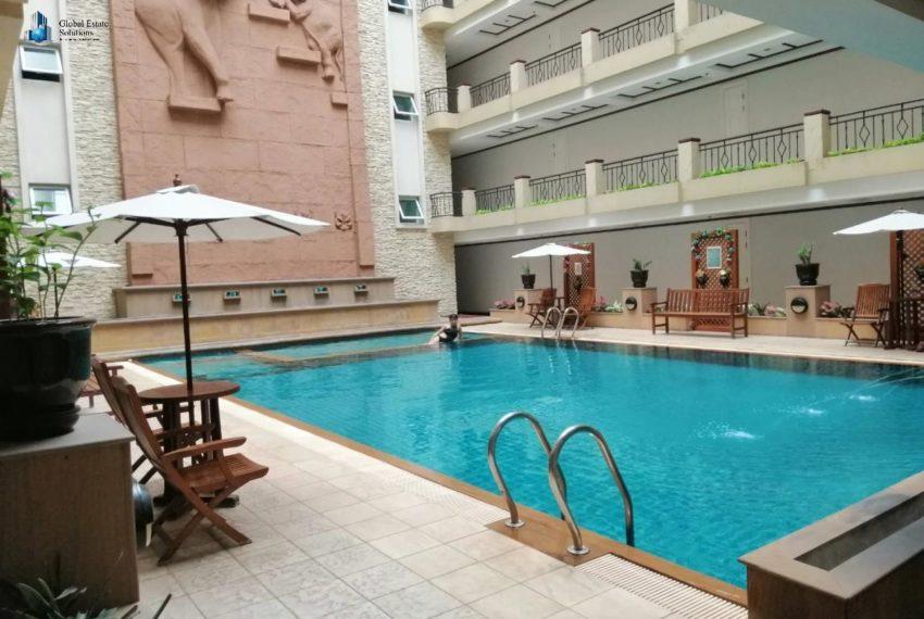 wattana-suite-condo-bangkok-swimming pool-2